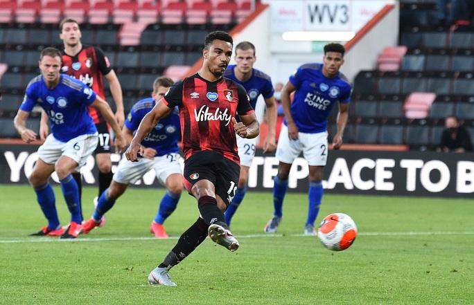 Leicester thua ngỡ ngàng Bournemouth, Man United được tiếp sức vào Top 3 - Ảnh 3.