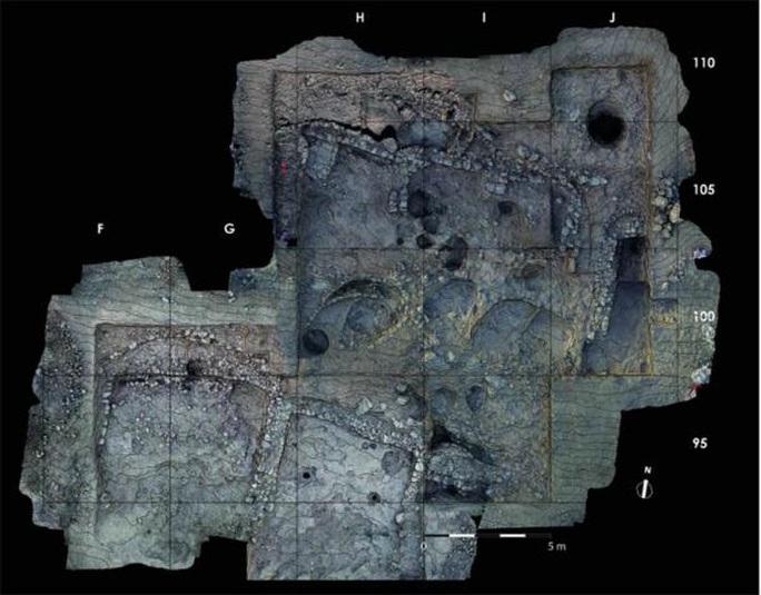 Bí ẩn hình nhân đá lửa và loạt mộ cổ dị thường 9.500 tuổi - Ảnh 2.