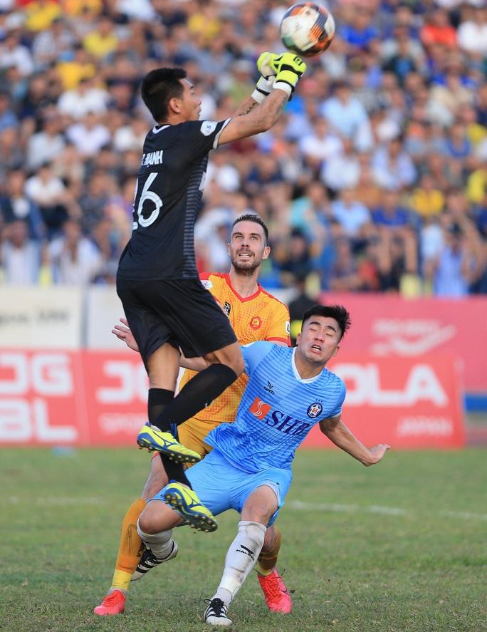 Các ứng viên thủ môn liên tục ghi điểm với HLV Park Hang-seo: Có Tuấn Mạnh, Bửu Ngọc, Văn Phong - Ảnh 4.