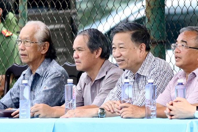 Bộ trưởng Tô Lâm dự khán trận CAND hòa Gia Định FC 1-1 - Ảnh 1.