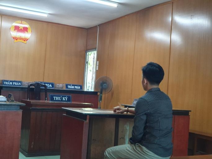 Trộm máy tính Macbook air nhưng không biết tắt định vị, nam thanh niên hầu tòa - Ảnh 1.