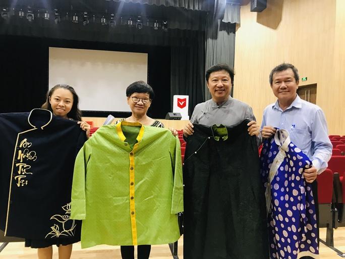 Nhà thiết kế Sĩ Hoàng, NSƯT Huỳnh Khải dốc sức cho kỷ niệm 99 năm ngày sinh cố GS-TS Trần Văn Khê - Ảnh 2.