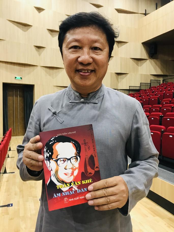 Nhà thiết kế Sĩ Hoàng, NSƯT Huỳnh Khải dốc sức cho kỷ niệm 99 năm ngày sinh cố GS-TS Trần Văn Khê - Ảnh 4.