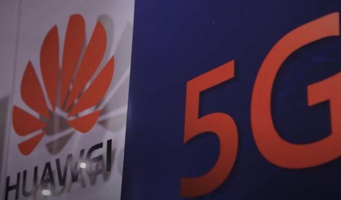 Trung Quốc giận tím mặt vì Huawei mất phần ở Anh - Ảnh 1.