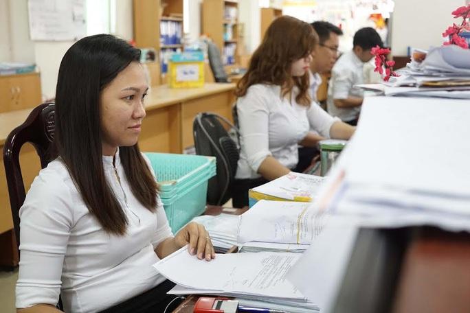 NÓNG: Thu hồi quyết định tuyển dụng với công chức không đủ tiêu chuẩn - Ảnh 1.