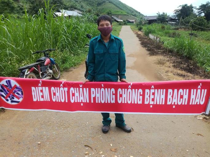 Đắk Lắk: Thêm ổ dịch bạch hầu mới, cách ly hàng ngàn người dân - Ảnh 2.