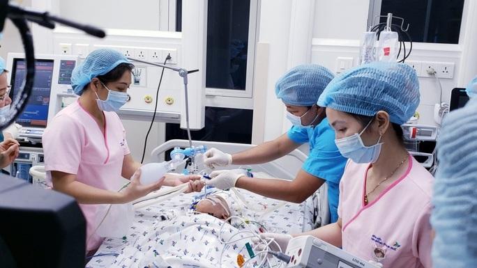 Tình trạng mới nhất của 2 bé Trúc Nhi-Diệu Nhi sau tách đôi - Ảnh 1.