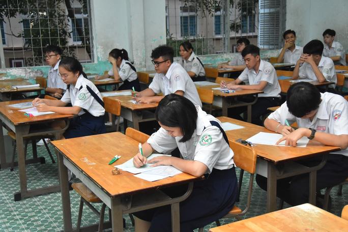 Đáp án chính thức các môn thi tuyển sinh lớp 10 ở TP HCM - Ảnh 1.