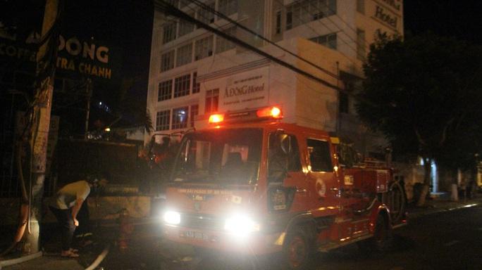 Đà Nẵng: Cháy khách sạn 7 tầng, thiêu rụi 2 xe máy - Ảnh 2.