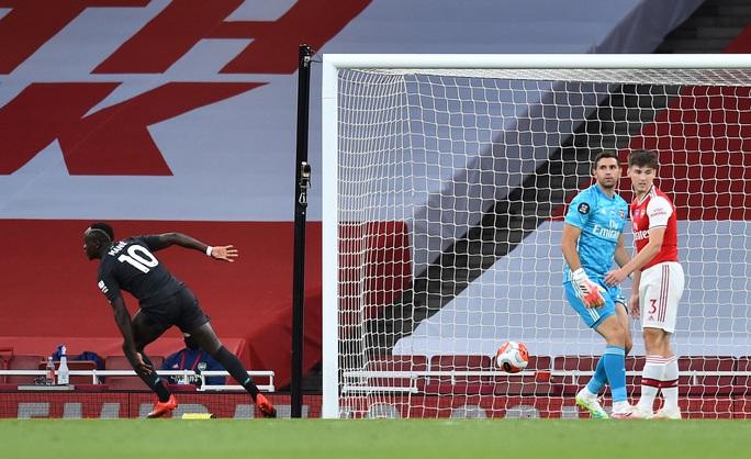 Công làm thủ phá, Liverpool thua sốc trước Arsenal ở Emirates - Ảnh 4.