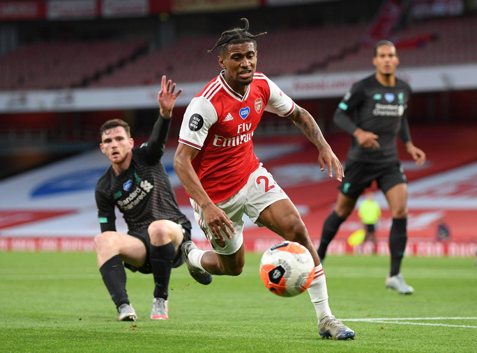 Công làm thủ phá, Liverpool thua sốc trước Arsenal ở Emirates - Ảnh 6.