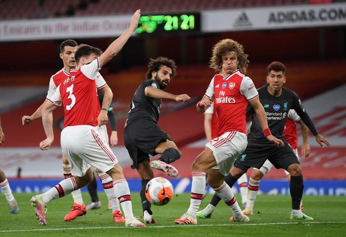 Công làm thủ phá, Liverpool thua sốc trước Arsenal ở Emirates - Ảnh 1.
