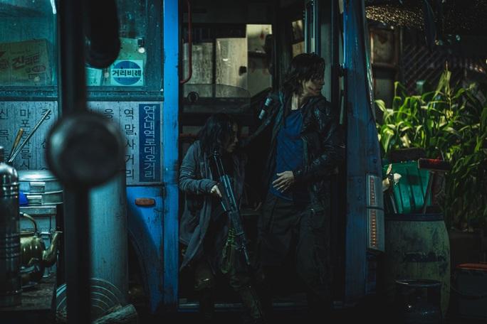 """""""Train to Busan 2"""" vượt thành tích """"Ký sinh trùng"""" tại Việt Nam - Ảnh 1."""