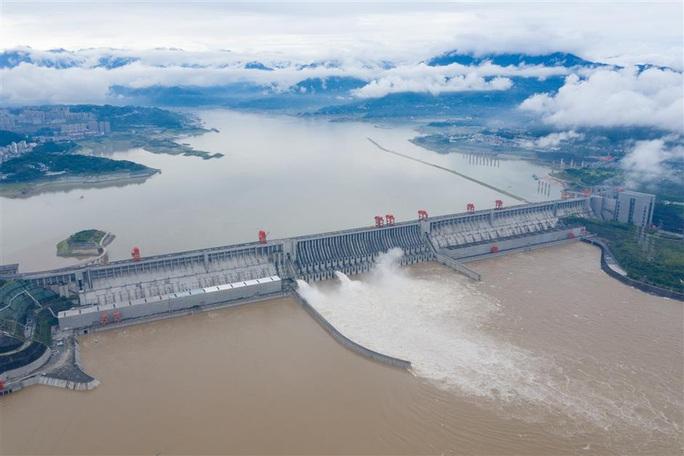 Hồ chứa Tam Hiệp sắp hứng lũ lớn, nước dâng lên hơn 155 m - Ảnh 1.