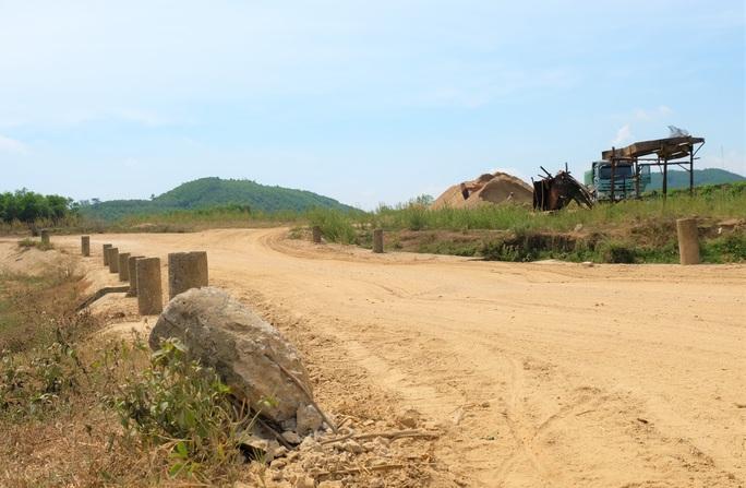 Dự án nạo vét chậm tiến độ, dân khổ đủ đường - Ảnh 3.