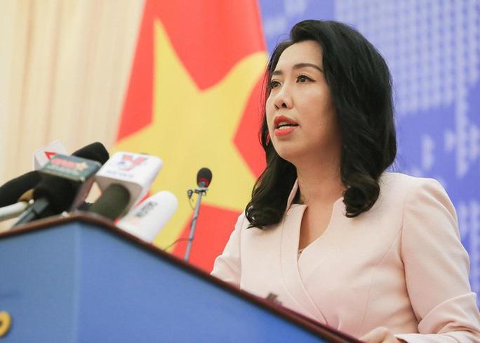 Bà Hoa Xuân Oánh nói bậy về chủ quyền biển Đông - Ảnh 1.
