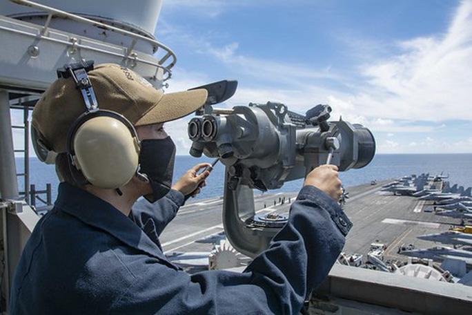 """Tàu sân bay Mỹ diễn tập """"đỉnh cao"""" ở biển Đông - Ảnh 1."""
