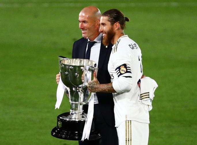 Lập kỷ lục 10 chiến thắng liên tiếp, Real Madrid vô địch La Liga - Ảnh 5.