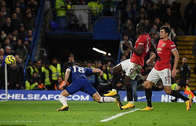 Jose Mourinho chọc ngoáy Man United, chê đội bóng cũ ăn may - Ảnh 2.
