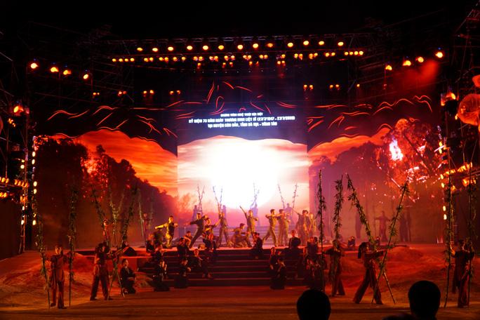 Ấn tượng chương trình Côn Đảo - Hồn thiêng Tổ quốc - Ảnh 2.