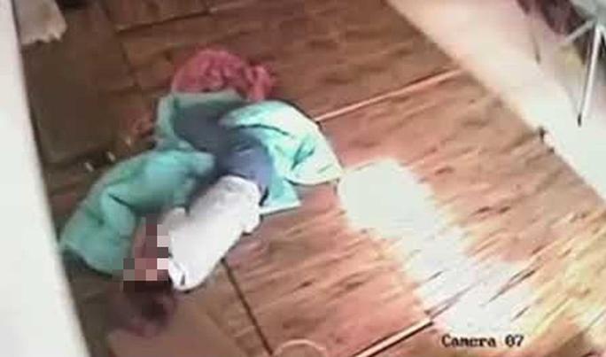 Cô gái 19 tuổi ở tịnh thất bị hãm hiếp, lấy tài sản - Ảnh 1.