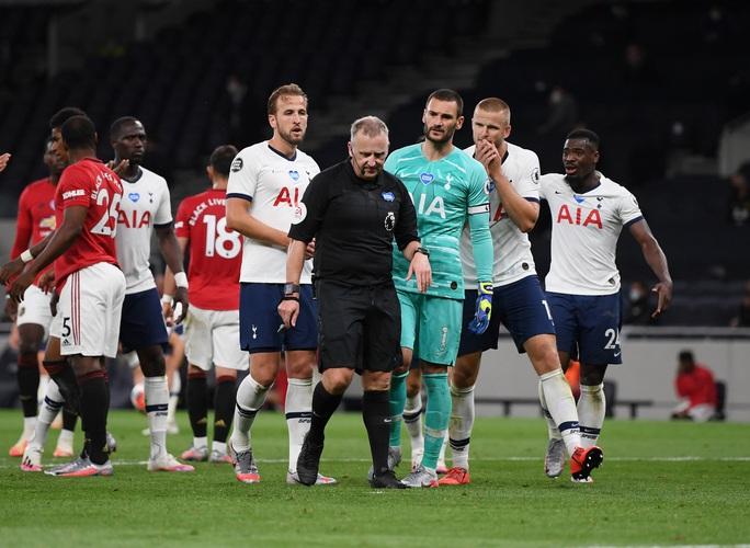 Jose Mourinho chọc ngoáy Man United, chê đội bóng cũ ăn may - Ảnh 4.