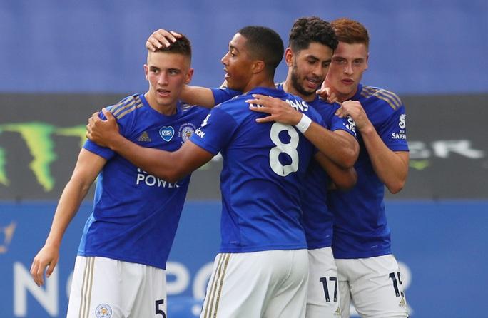 Leicester gặp họa trước hai trận chung kết Top 4 Ngoại hạng - Ảnh 1.