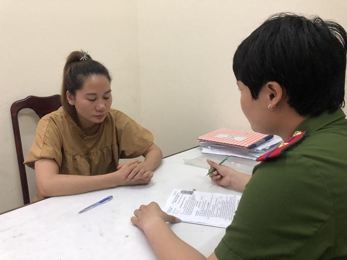 """Đà Nẵng: Bắt tú bà cầm đầu nhóm Facebook """"Tập đoàn phò""""  môi giới mại dâm - Ảnh 1."""