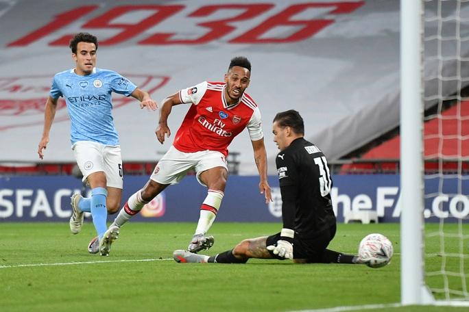 Người hùng Arsenal tỏa sáng, Man City tan tác mộng ăn ba - Ảnh 5.