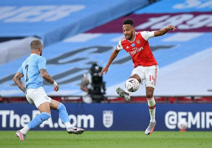 Người hùng Arsenal tỏa sáng, Man City tan tác mộng ăn ba - Ảnh 4.