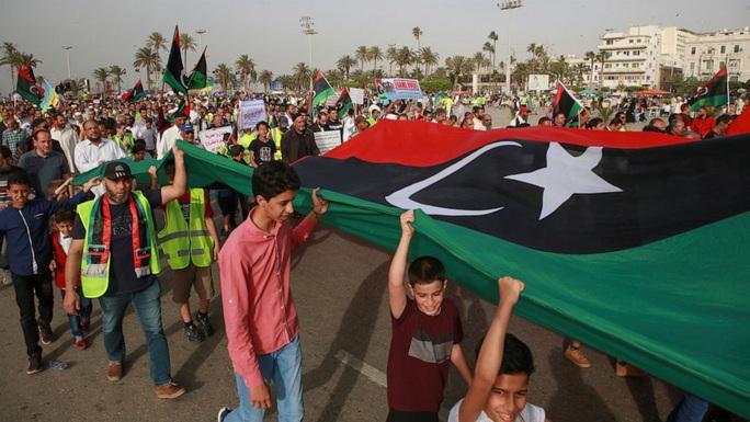 Thổ Nhĩ Kỳ đưa hàng ngàn lính đánh thuê tới Libya, ngáng chân Nga? - Ảnh 1.
