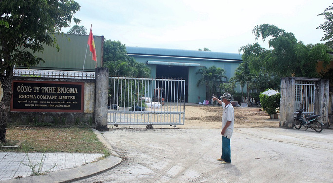 Quang Nam: No thung hoa chat boc mui hoi khien 2 nguoi nhap vien