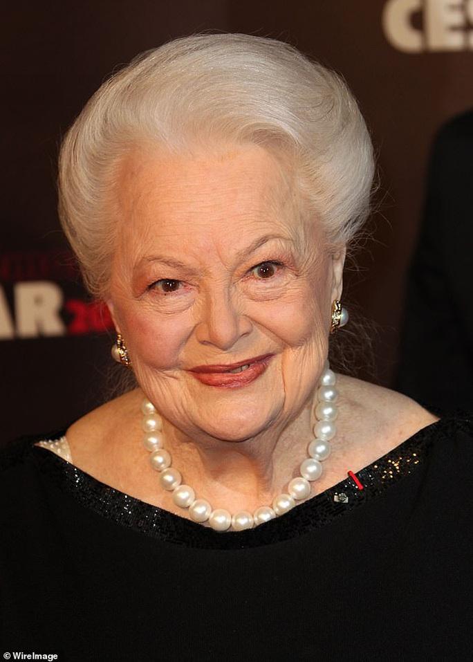 """Mỹ nữ """"Cuốn theo chiều gió"""" đón tuổi 104 - Ảnh 5."""