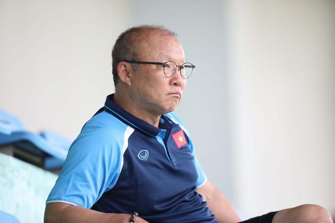HLV Park Hang-Seo để ngỏ việc chọn Đoàn Văn Hậu tại SEA Games 31 - Ảnh 1.