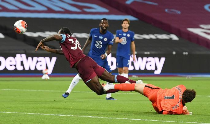 Chelsea thua sốc West Ham, đối mặt ác mộng văng Top 4 - Ảnh 1.