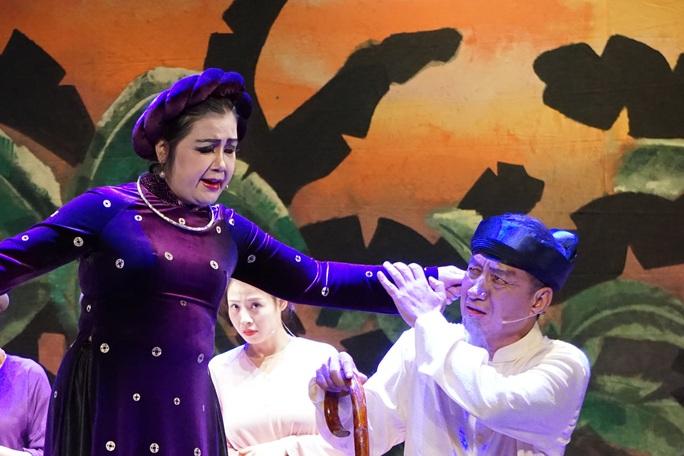 NSND Lệ Ngọc hóa thân 2 số phận trái chiều trong kịch Thị Nở, Chí Phèo - Ảnh 2.