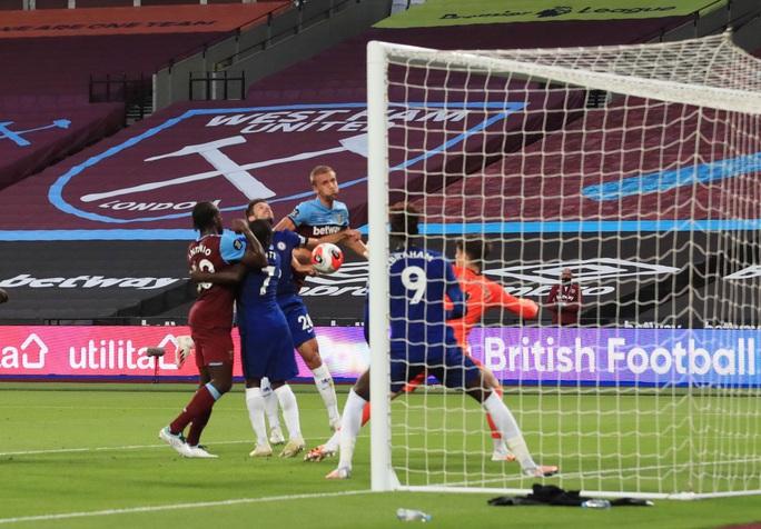 Chelsea thua sốc West Ham, đối mặt ác mộng văng Top 4 - Ảnh 4.