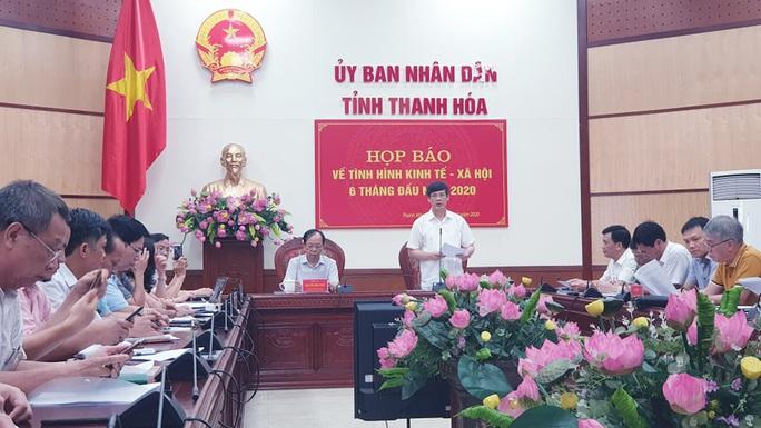 Báo Người Lao Động trao tặng 2.000 lá cờ Tổ quốc tại Hội thi tuyên truyền về chủ quyền biển, đảo Việt Nam - Ảnh 1.
