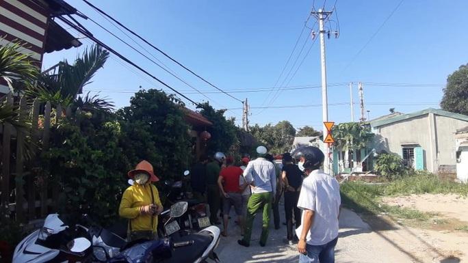Nhóm người Trung Quốc bỏ chạy khi bị kiểm tra: Sẽ phạt kịch khung cơ sở lưu trú - Ảnh 2.