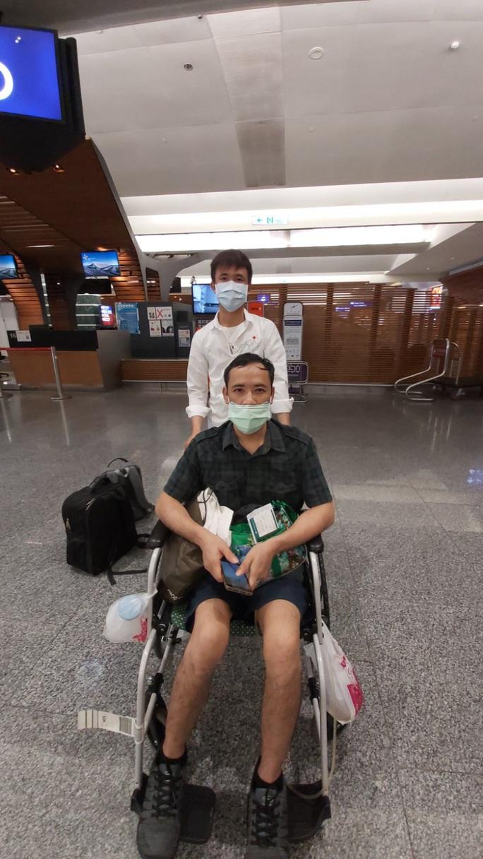 Tân Sơn Nhất đón hơn 300 người Việt từ Đài Loan - Ảnh 3.