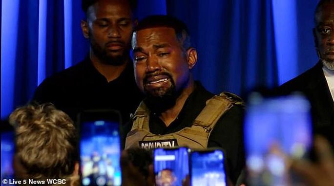 Rapper Kanye West bật khóc trong buổi vận động tranh cử tổng thống - Ảnh 3.