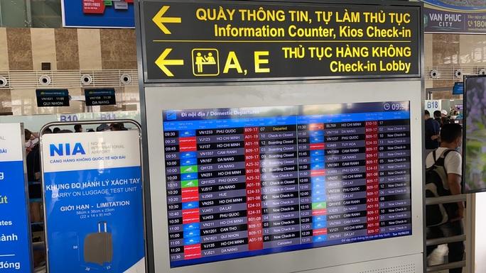 Sân bay Nội Bài ngừng phát thanh thông tin chuyến bay - Ảnh 1.