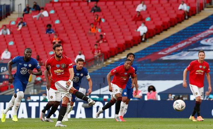 Hàng thủ gây họa, Man United thua thảm ở FA Cup - Ảnh 7.