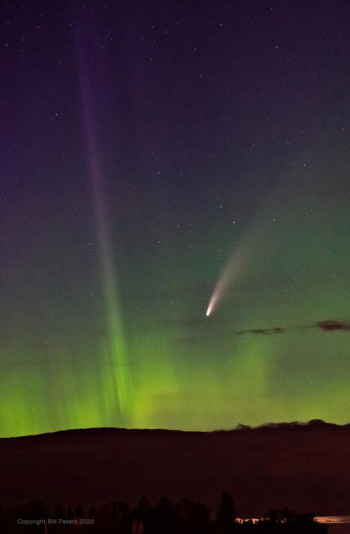 Sao chổi 6.800 năm mới có đang áp sát Trái Đất trong mưa sao băng - Ảnh 1.