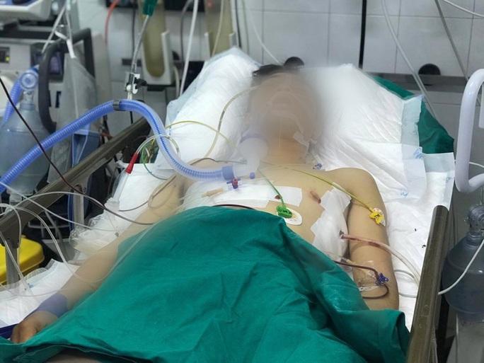 Thông tin mới nhất về tài xế GrabBike bị đâm 6 nhát khi chở cô gái mang bầu - Ảnh 1.