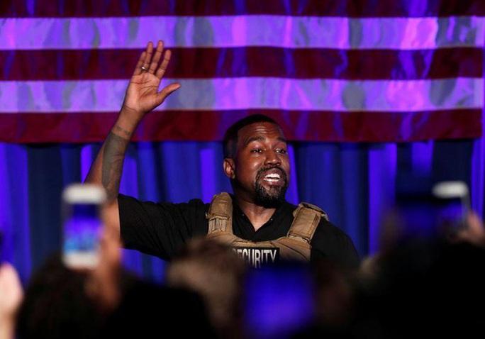 Rapper Kanye West bật khóc trong buổi vận động tranh cử tổng thống - Ảnh 1.