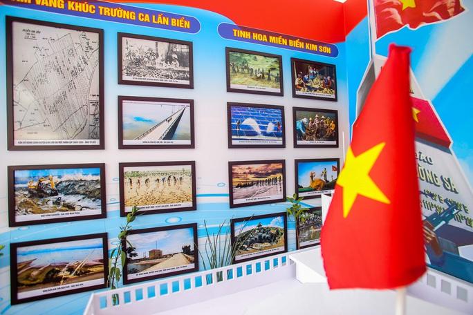 Trưng bày 300 bức ảnh về công cuộc xây dựng, bảo vệ chủ quyền biển, đảo Việt Nam - Ảnh 18.