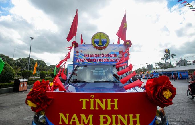 Trưng bày 300 bức ảnh về công cuộc xây dựng, bảo vệ chủ quyền biển, đảo Việt Nam - Ảnh 14.