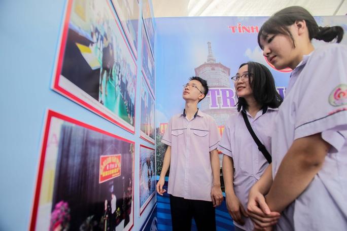 Trưng bày 300 bức ảnh về công cuộc xây dựng, bảo vệ chủ quyền biển, đảo Việt Nam - Ảnh 5.