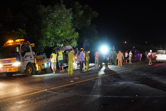 Vụ tai nạn 8 người chết ở Bình Thuận: Quá nguy hiểm khi không có dải phân cách! - Ảnh 1.